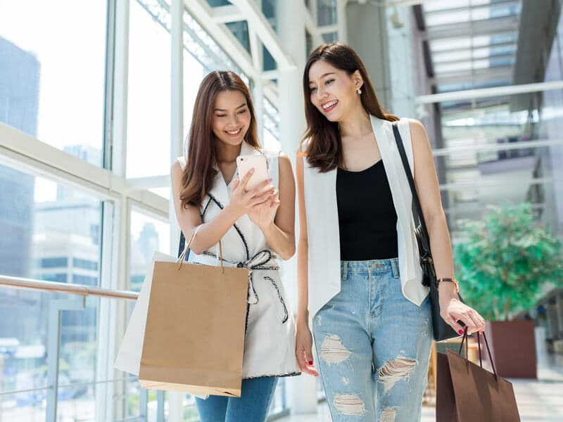 Shopping with mobile payment solutions: AliPay and WeChat Pay