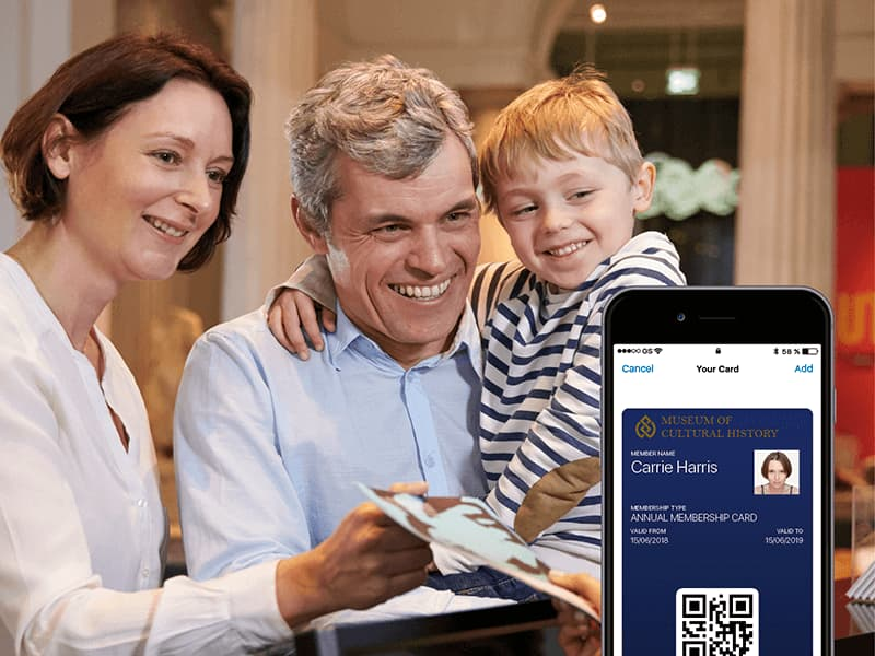 Family who buys a digital membership card for the Cultural History Museum